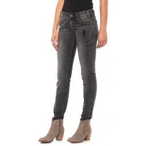 NWT Rock & Roll Cowgirl Low Rise Skinny Jeans